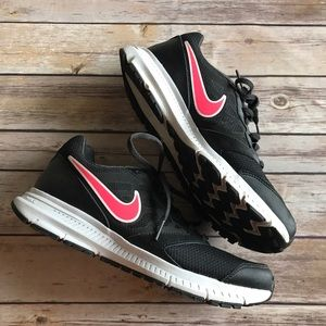 NIKE downshifter 6 running shoes